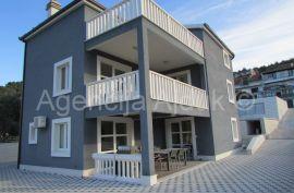 Vila Trogir Poljica sa bazenom i garažom - novo, Marina, House