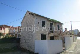 Trogir Čiovo Okrug Gornji kamena kuća u centru, Okrug, Maison