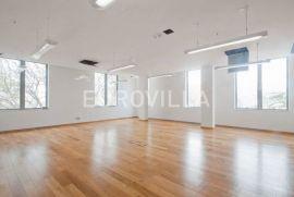 Split, Trstenik, poslovni prostor za zakup 32 m2, Split, Ticari emlak