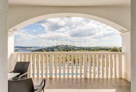 Sevid - luksuzna vila sa bazenom i otvorenim pogledom na more, Marina, Casa