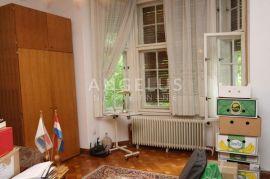 Zagreb, Tuškanac, pola vile u jednoj od naljepših ulica, Zagreb, Flat