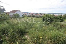 Kaštela-građevno zemljište na odličnoj poziciji, 1300m2, Kaštela, Terreno