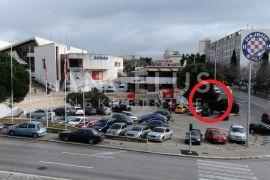 Split, Gripe, proizvodno-skladišni prostor 350 m2 sa izlaskom na prometnicu, Split, Propriété commerciale