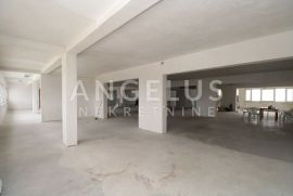 Split, Pazdigrad - uredski prostor roh bau sa parkingom, 420 m2, Split, Poslovni prostor