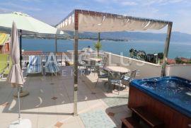 Trogir, Čiovo, apartmanska kuća sa bazenom i pogledom na more, Trogir, Kuća