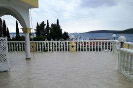 Trogir, Seget Vranjica, komforan,dvosoban stan sa terasom, Seget, Flat