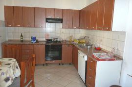 Brajda, uredan 5S-KL stan u blizini srednjih škola i fakulteta, Rijeka, Wohnung