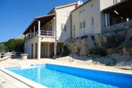 Krk- šira okolica, predivna villa sa bazenom i panoramskim pogledom na more !, Krk, Kuća