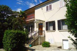 Kozala, kuća sa dva stana , dvije garaže i okućnicom. RIJETKOST !!!, Rijeka, Ev
