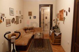 Centar, stan 3S-KL+radna sobica, 2 sanitarna čvora. 3. kat, Rijeka, شقة