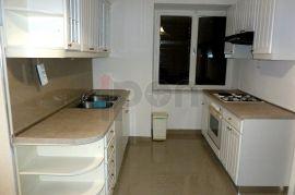 Pehlin, novouređen 1S-KL stan, blizina pravnog fakulteta, Rijeka, Wohnung