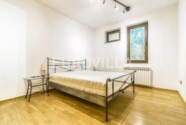 Šalata, uređen četverosoban stan 130 m2, Zagreb, Wohnung