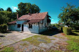 Kuća sa gospodarskim zgradama i voćnjakom u Stubici, Donja Stubica, Kuća