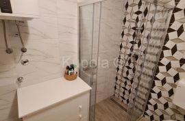 Bale, kvalitetna montažna kuća sa 2 stambene jedinice i okućnicom, Bale, Kuća
