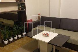 Lijepo namješten trosoban stan u kući Pofalići, Novo Sarajevo, Διαμέρισμα