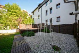 Prodaja četverosoban stan i dvije garaže, Sarajevo Stari Grad, شقة
