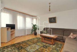 Trosoban stan za najam u privatnoj kući S.Grad, Sarajevo Stari Grad, Appartement