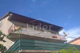 Skvažići, samostojeća kuća sa 4 stana, Rijeka, Дом