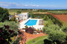 Poreč, luksuzna kuća s bazenom i pogledom na more, Poreč, Ev