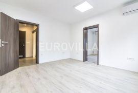 Vukovarska, novouređen poslovni prostor 63 m2 za najam, Zagreb, Propiedad comercial