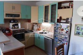 Rijeka, Drenova stan 2s+db, balkon, Rijeka, Appartamento