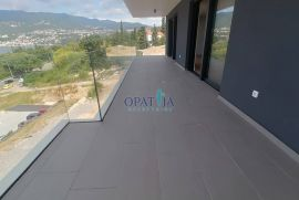 Costabella, stan u luksuznoj novogradnji, sa liftom, prizemlje, Rijeka, Daire