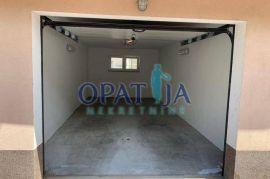 OPATIJA CENTAR - Garaža, 26 m2, za najam!, Opatija, Garaje