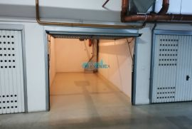Prečko - garaža za najam nasuprot Pointa, Trešnjevka - Jug, Garaje