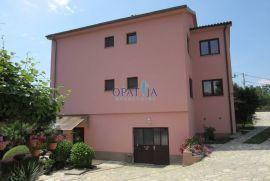 Viškovo-centar samostojeća kuća s garažom 348 m2, Viškovo, Kuća