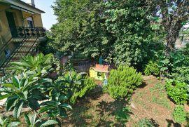 Rijeka, Zamet - lijepa etaža kuće na traženoj lokaciji sa velikom okućnicom i građevinskim terenom, Rijeka, Stan