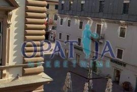 Rijeka-centar komforan stan na 2.katu 117.60 m2, Rijeka, Stan