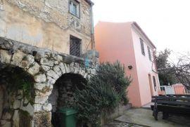 Crikvenica, dvije kamene kuće na mirnoj lokaciji! Dobra cijena! Prilika!, Crikvenica, Haus