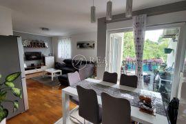 Prodaja kompletno namještenog dvoetažnog stana u centru Viškova 3S+DB  109.09 M2, Viškovo, Stan