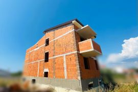 Peroj, Kuća 270m2, krovna terasa s pogledom na more, Vodnjan, Kuća