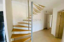 Fažana, stan 90 m2, dvoetažni stan blizu plaže, Fažana, Stan