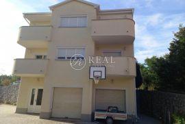 Prodaja kuće na Gornjem Zametu S+P+1  250 m2, Rijeka, Kuća