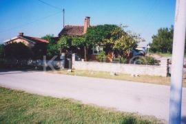 Kanfanar, kamena kuća, prizemnica, novouređena, Kanfanar, Kuća