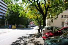 POTENCIJAL! CENTAR - Nodilova, 2.5-s stan, balkon i loggia, lift, Zagreb, Apartamento