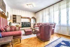Šalata Babonićeva obiteljska kuća 280m2 na parceli 495m2, Zagreb, Maison