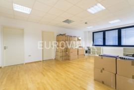 Uredski prostor za zakup 102 m2, Jankomir poslovna zona, Zagreb, Poslovni prostor