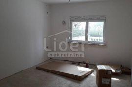 G. Vežica, etaža, 2s+db, terasa, Rijeka, Flat