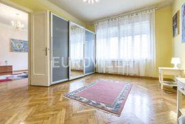 Centar, komforan trosoban stan s liftom, Zagreb, Kвартира