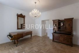 Centar, komforan četverosoban stan, Zagreb, Apartamento