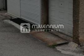 Rijeka, Belveder, garaža 25m2 za 30.000€/hrk, Rijeka, Garaje