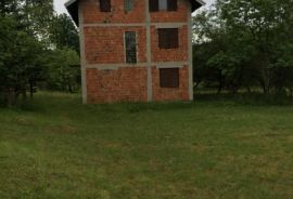 Obiteljska kuća sa prekrasnom okućnicom , Zenica, Famiglia
