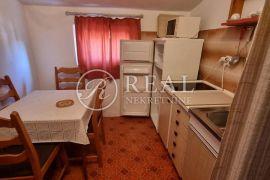 SAMO KOD NAS, Samostojeća kuća  s 4 apartmana,336 m2,okućnica, Punat, Kuća