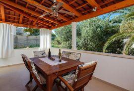Brač, Supetar - prekrasna kuća za odmor sa pogledom na more, Supetar, Casa