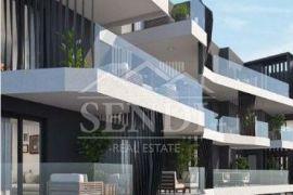 Umag, moderna novogradnja na odličnoj poziciji - stan 1-07 prvi kat, Umag, Apartamento