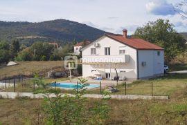 Dražice, novoadaptirana kuća s bazenom, Jelenje, بيت