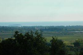 Rovinj, poljoprivredni teren sa ruševinom i pogledom na more, Rovinj, Zemljište